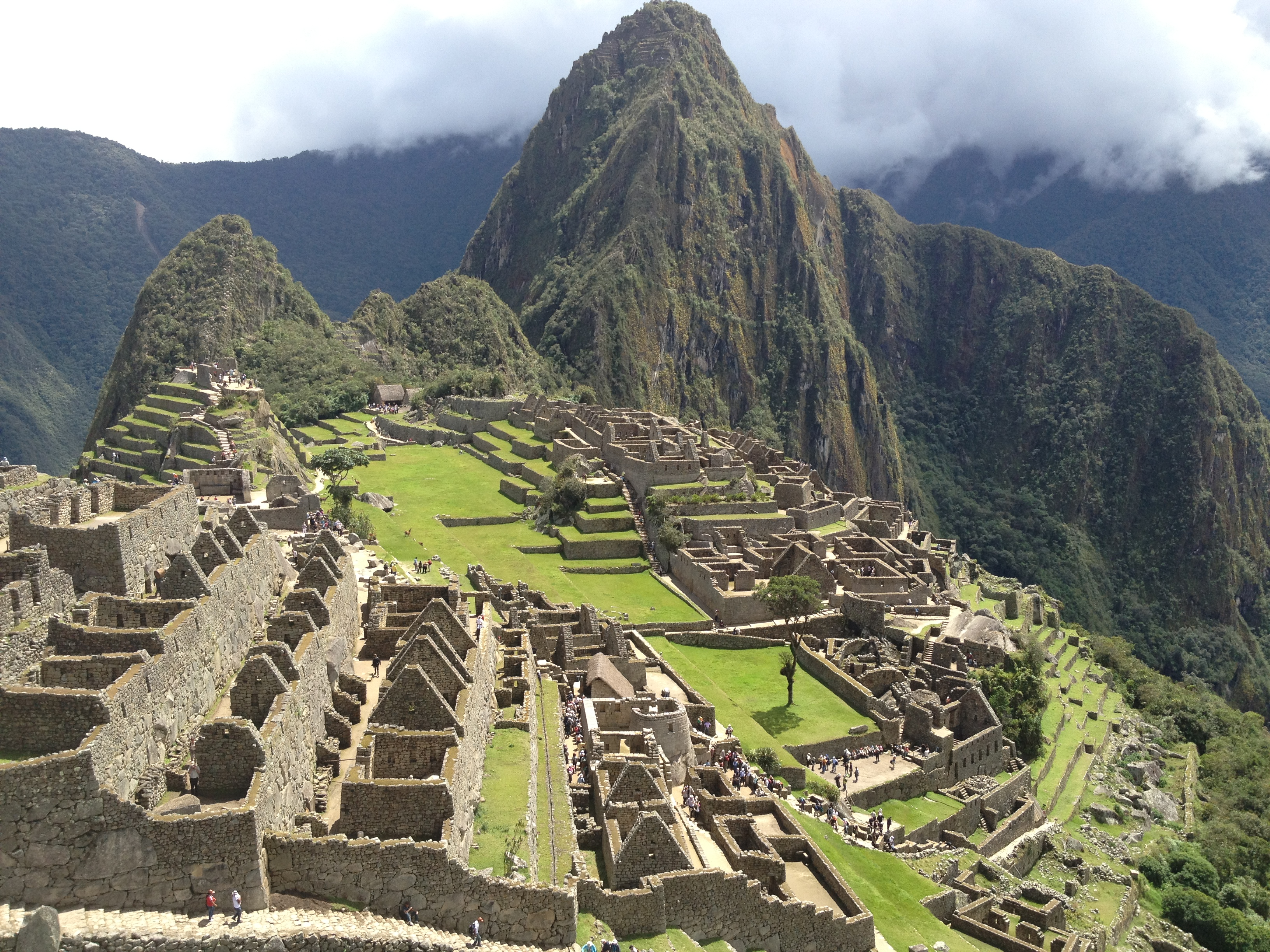 """incas empire The great inca empire of south america was dominated by the great mountain range of the snow-capped andes no other people built towns so high above sea level by about 1200 ce, the incas had grown from a small tribe living in the andes into an organized society united under one ruler, called """"the inca""""."""